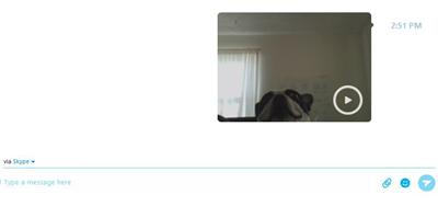 Fenêtre de conversation avec message vidéo envoyé.