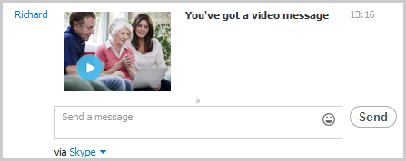 A received video message displayed in the conversation window.