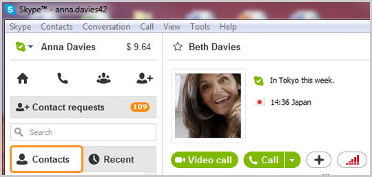 Contacts tab selected in the main Skype window
